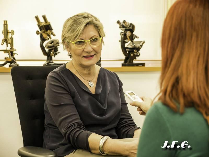 Doctora Amparo Ruiz, Directora del IVI