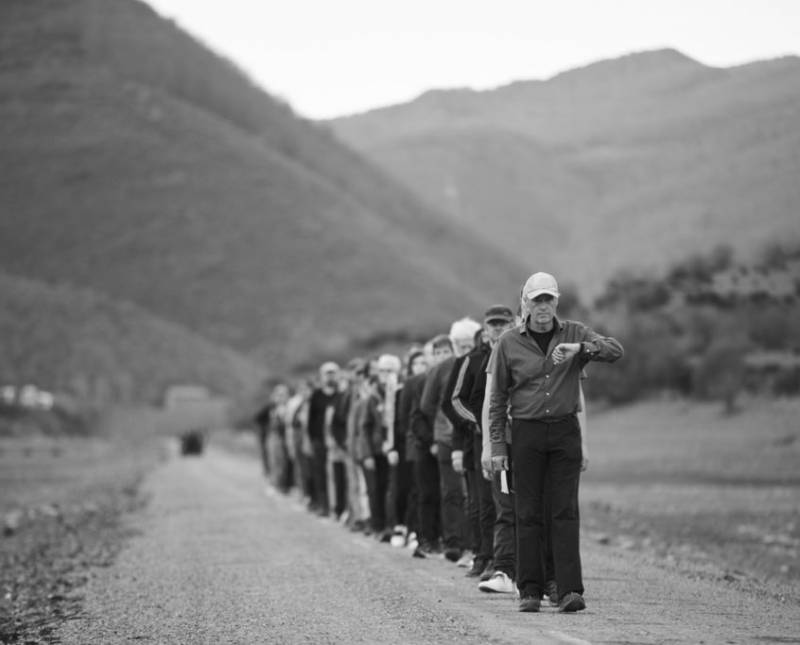 Jean Marc Manson. Caminata Hamish Fulton en Riaño ? Fundación Cerezales. / © Hamish Fulton