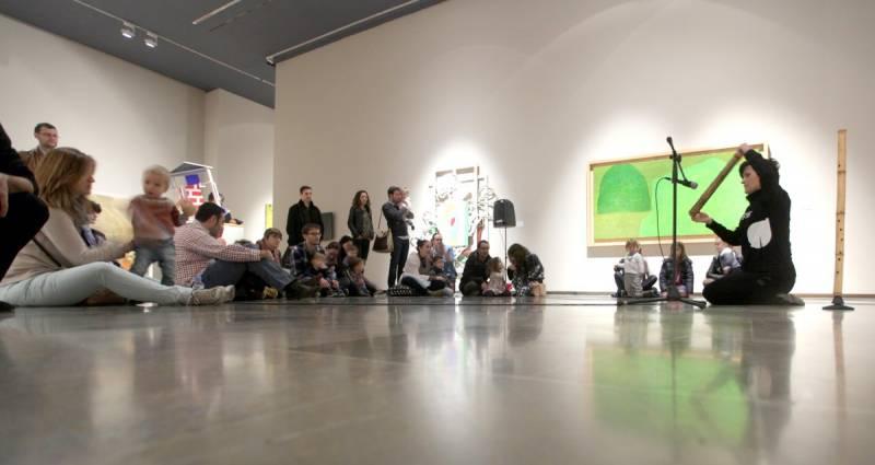 Actividades con niños en un museo. EPDA