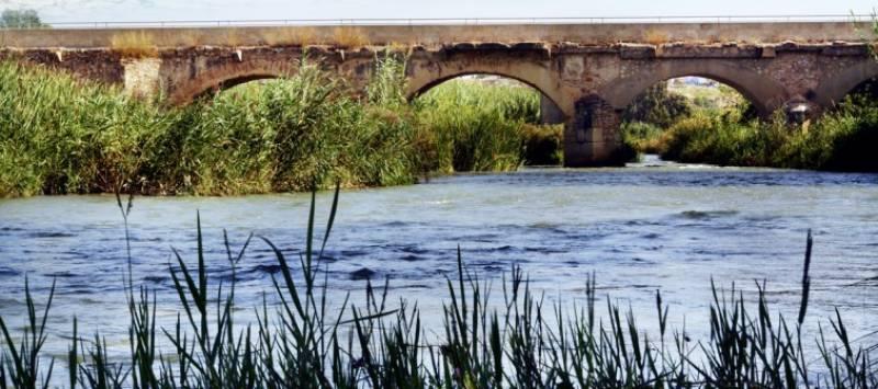 Río Turia a su paso por Riba-Roja del Túria.