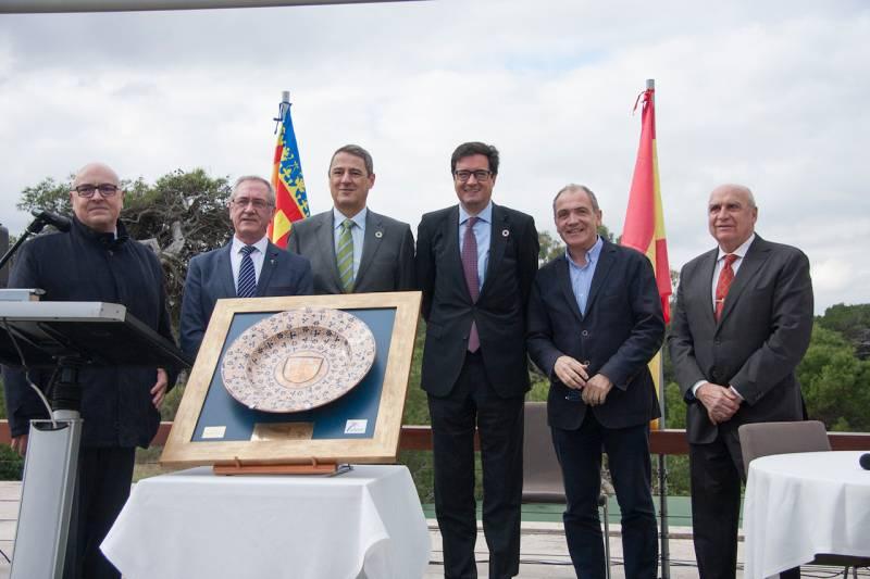 Pepa Soriano, Amparo Gómez y Juanjo Prósper de la firma Espolin