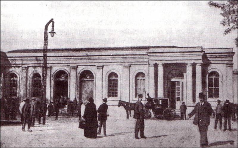 Imagen de la primera estación de trenes de Valencia en la Plaza del Ayuntamiento - Foto: jdiezarnal