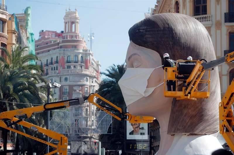 Fotografía de la falla de València. EPDA.