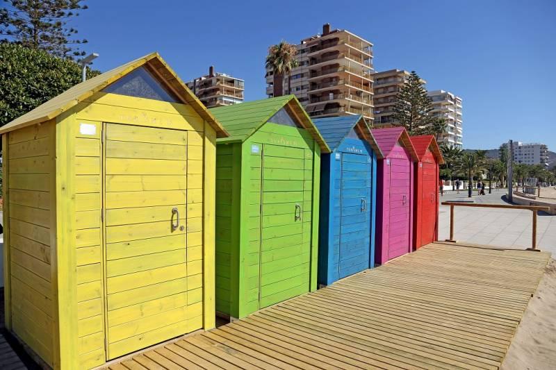 Turisme Comunitat Valenciana ha destinado dos millones de euros para dotar a las playas de la Comunitat de nuevos y mejores servicios en 2018