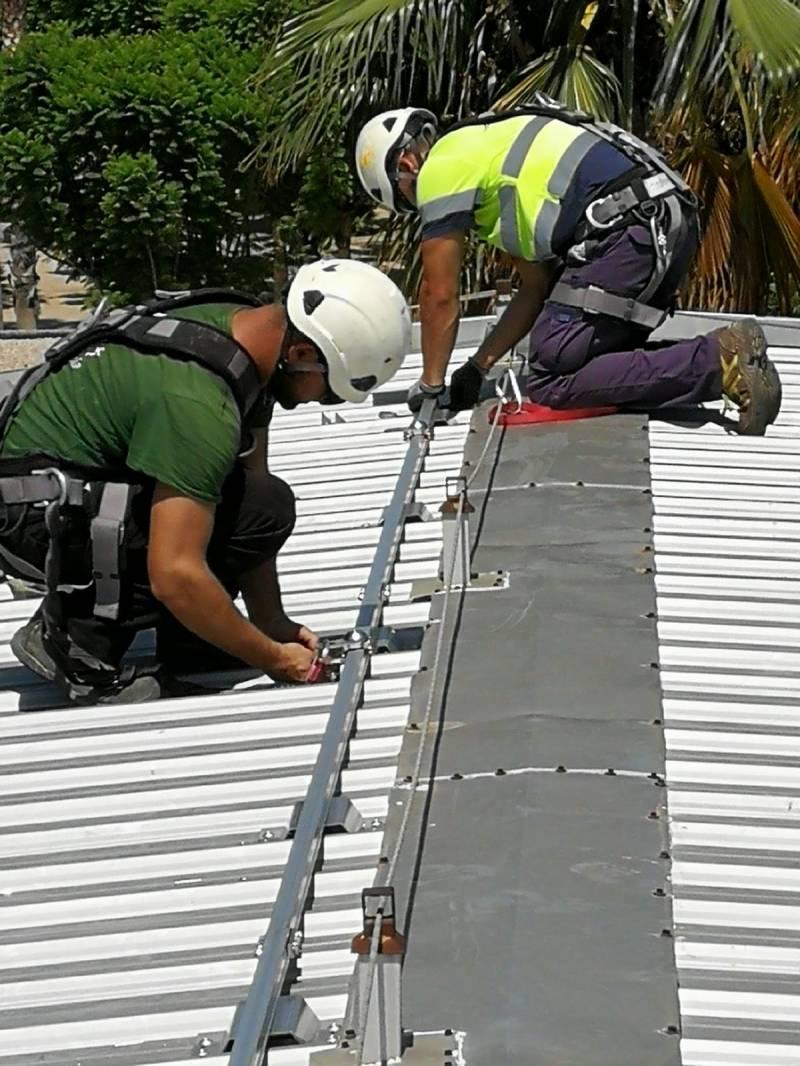 Plaques fotovoltaiques cementeri