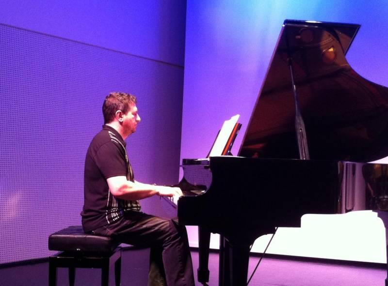 Piano, Adolfo García