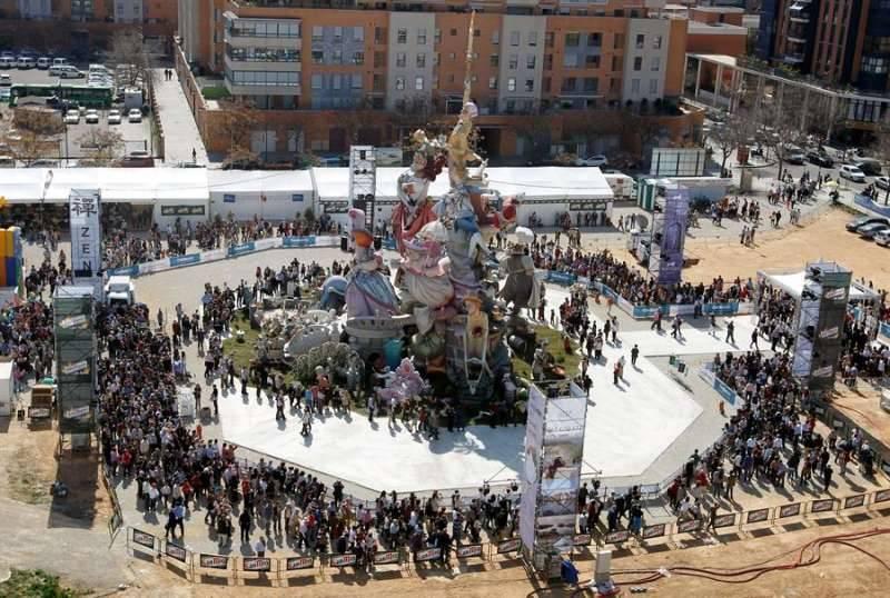 Una mascletà en la plaza del Ayuntamiento en 2020. EPDA