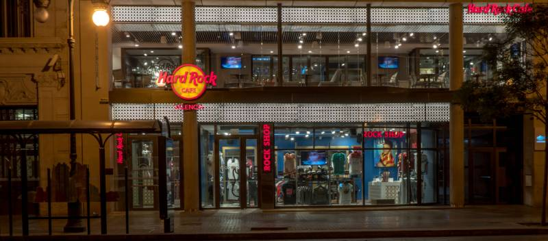 Hard Rock Cafe Valencia // hardrock.com