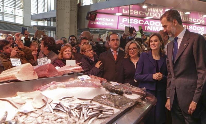 Los Reyes en el Mercado Central