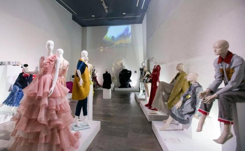 Exposición Artenblanc2 en Centre del Carme // Foto Eva Ripoll