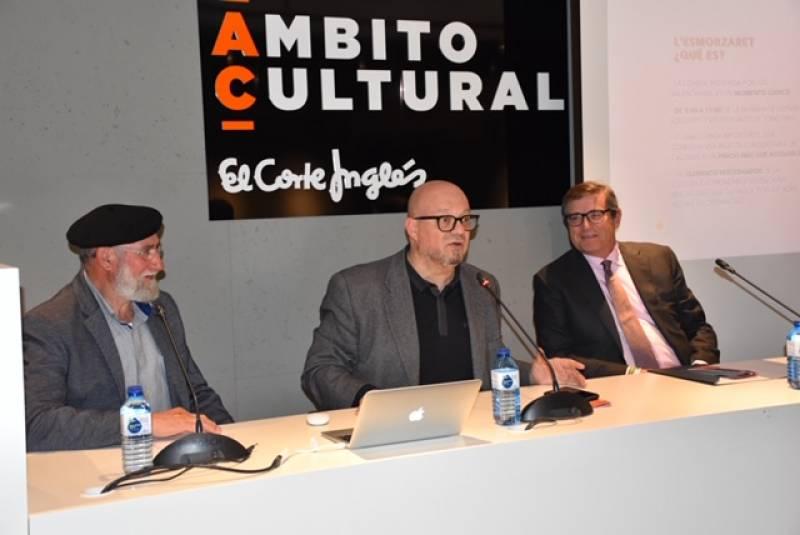 Paco Alonso y Toni Montoliu junto a Pau Pérez Rico en un momento del acto