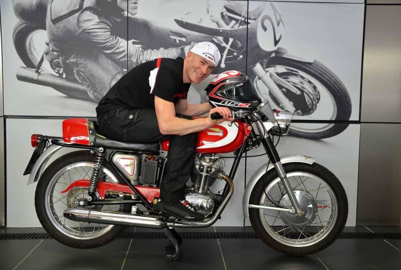 Regis Laconi moto antigua