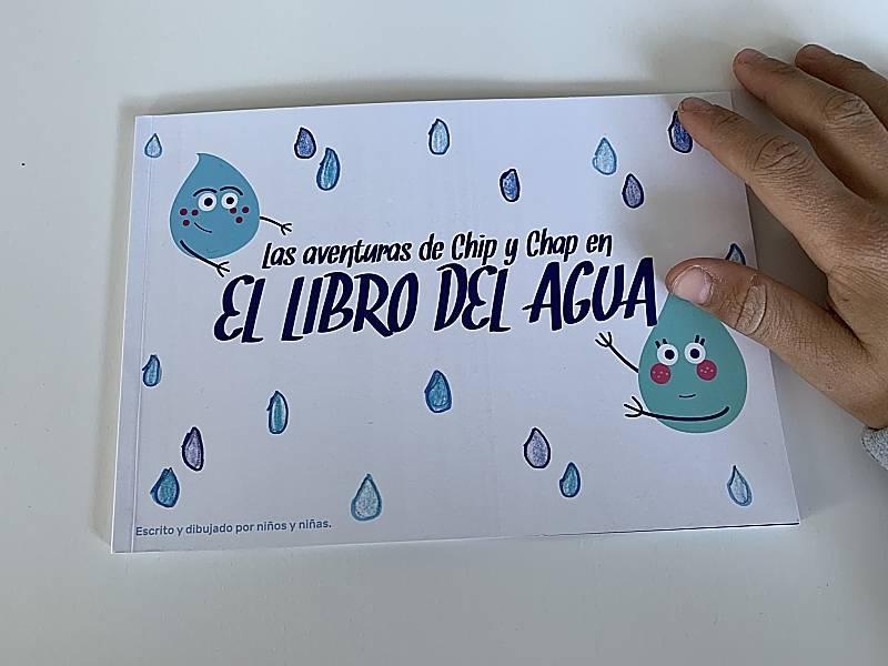 Carlos Maldonado y Tom y Jerry en la presentación de la campaña de Hipercor