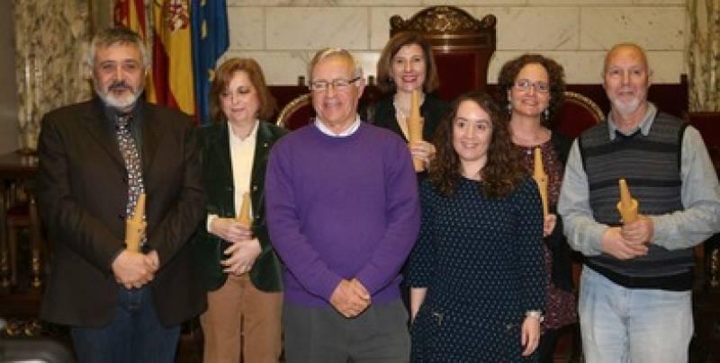 El alcalde con los premiados