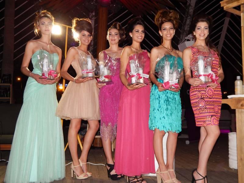 Las finalistas de Miss Ciudad de Valencia 2016 recibieron un lote de productos de salud capilar de Careprof, marca patrocinadora del evento