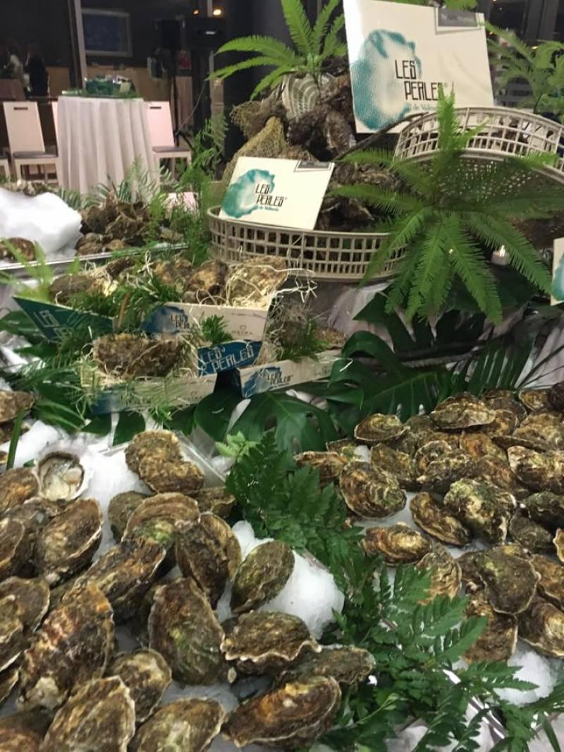 Un gran bodegón de ostras presidía la celebración//E.C.