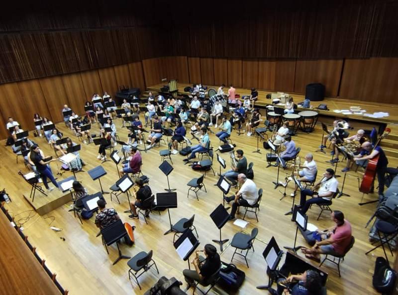 La Banda Simfònica Ciutat de València assajant.