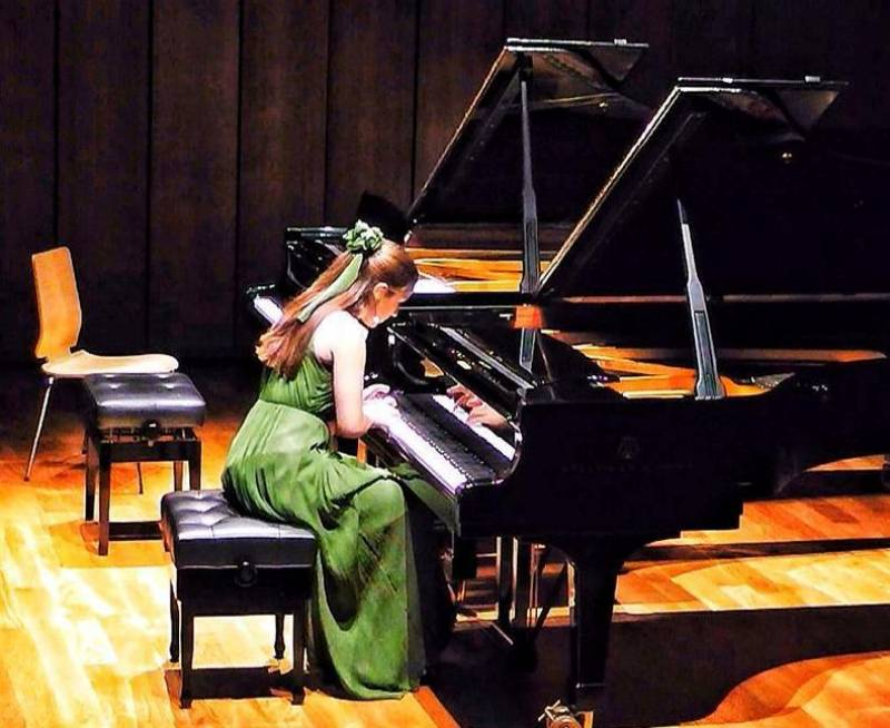 Jovenes interpretes, piano Fabiola Tomas