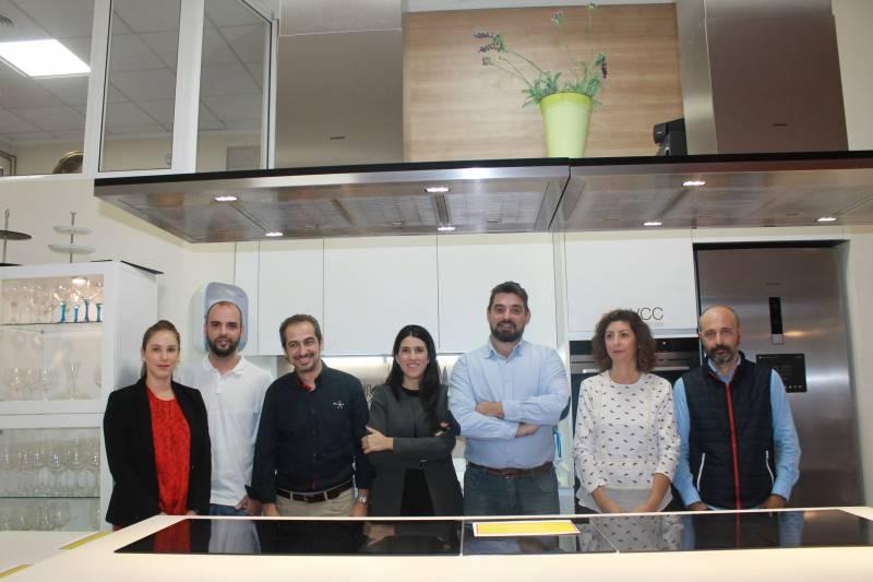 Valencia club cocina presenta su espacio cooking by crytal line en g - Valencia club de cocina ...