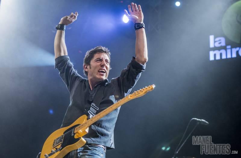 Manuel Fuentes, en concierto : : Rock City