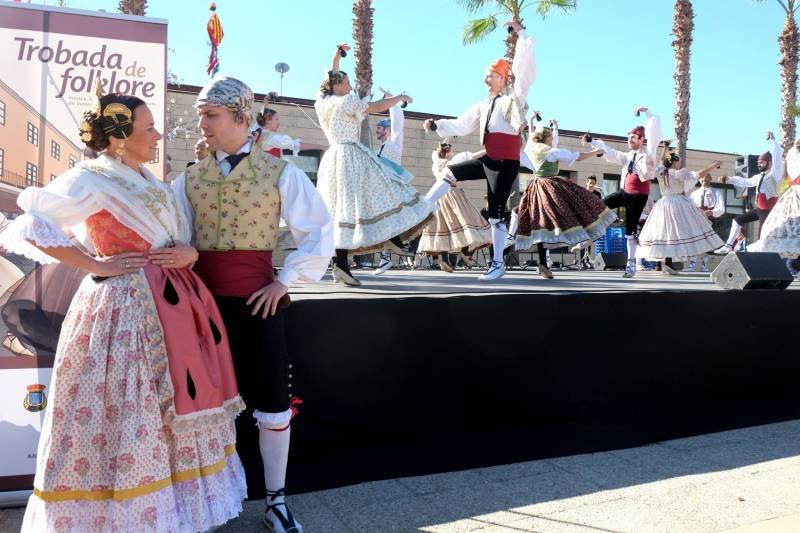 Actuació de la passada edició de la Trobada de Folklore a Carcaixent