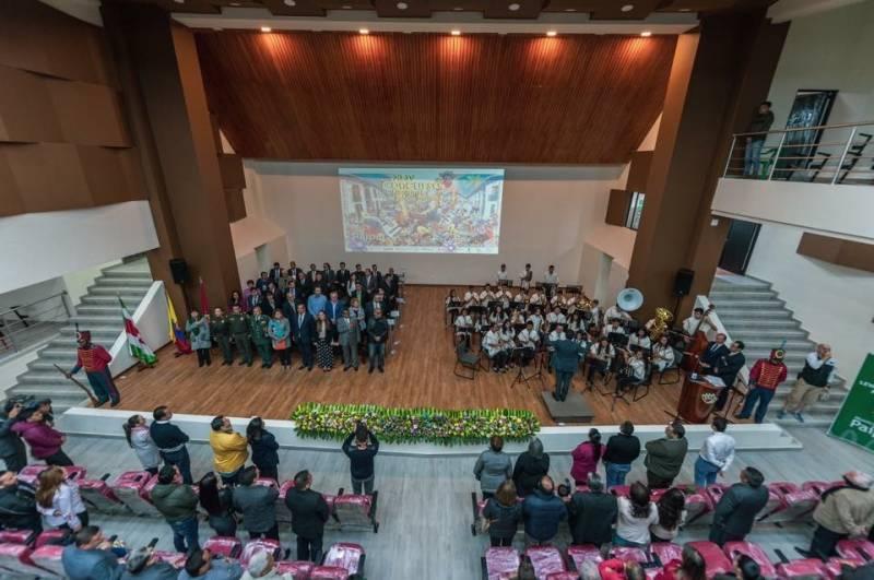 Acto inicial de concurso (FSMCV en escenario)
