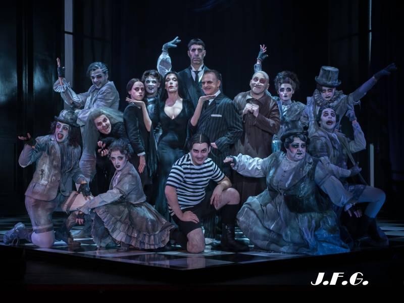 La familia Addams, el musical más terroríficamente divertido
