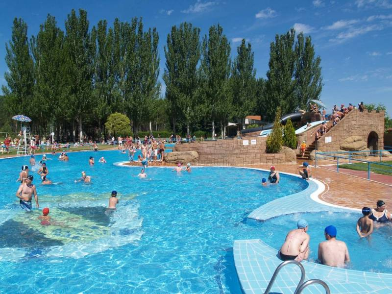 Lista de piscinas en valencia for Piscina climatizada valencia