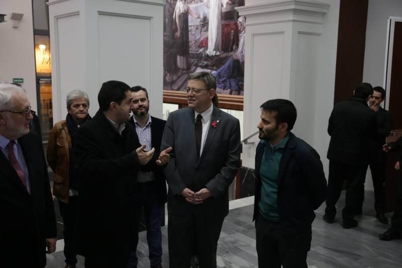 Ximo Puig visitando el CADA