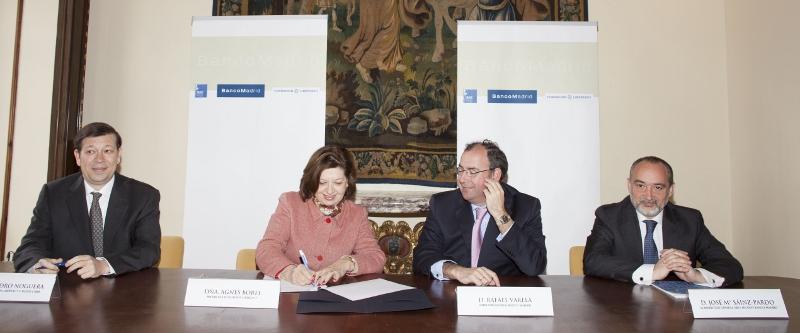 De izquierda a derecha, Alejandro Noguera, director de la Fundación Libertas 7 y L