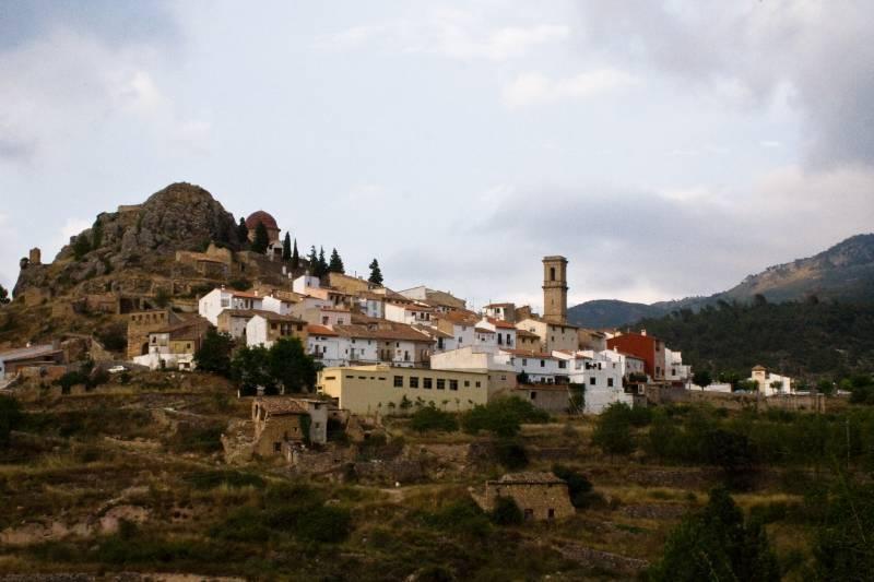 10 pueblos que visitar en la comarca de Los Serranos este verano