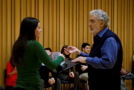 El maestro Domingo durante la sesión de trabajo. FOTO: EPDA