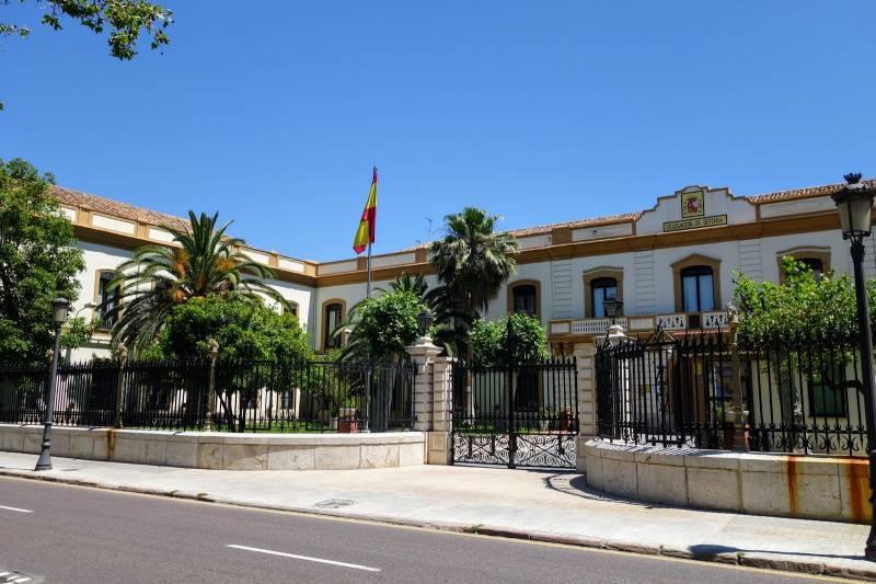 Cuartel de San Juan de la Ribera, 150 años de solemne presencia en el Paseo de la Alameda