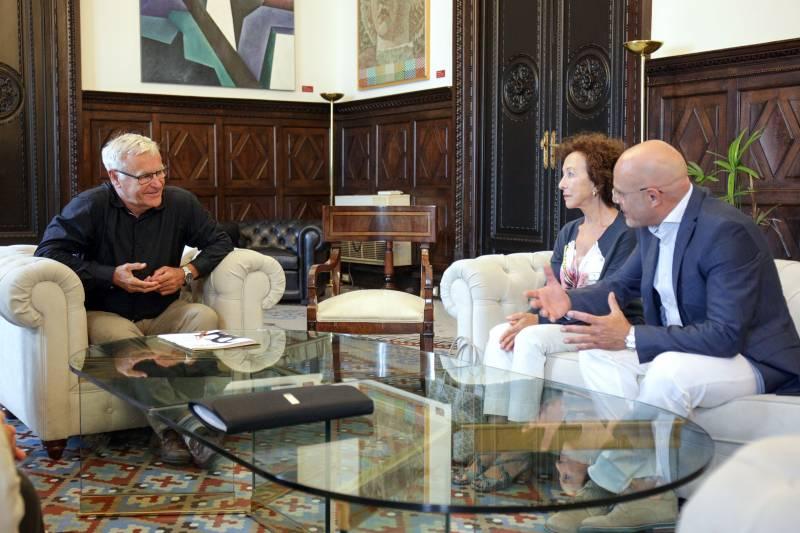 Reunión de Ribó con Xavier Martorell y la viuda de Bigas Luna, Celia Orós