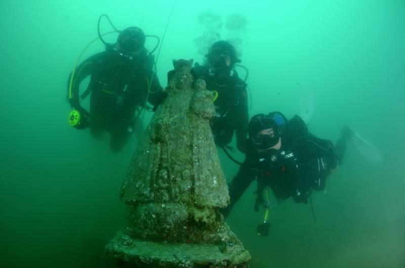 Virgen de los Desamparados sumergida