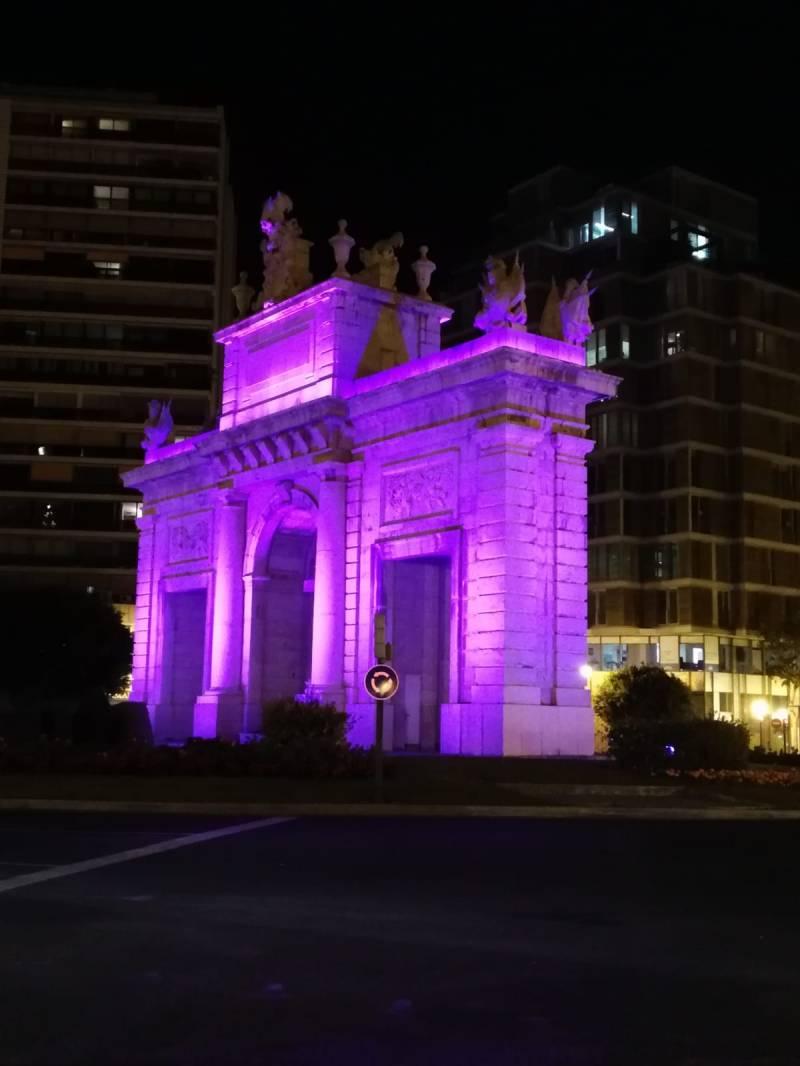 Il·luminació monuments. Porta de la Mar