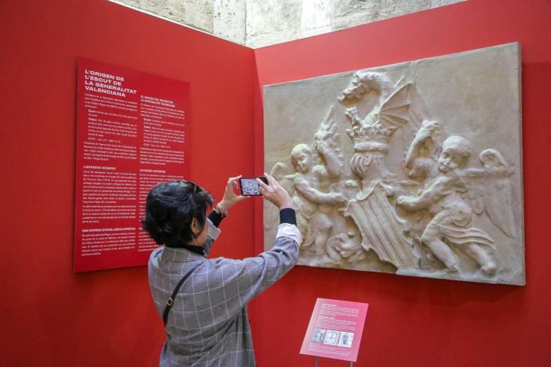 La exposición que conmemora el 600 aniversario de la Generalitat recibe la visita de 50.000 personas durante el fin de semana