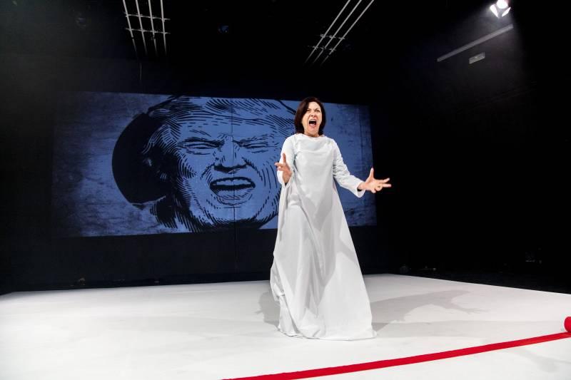 Sagunt a Escena presenta 'Los invitados' en el Centro Cultural Mario Monreal este miércoles
