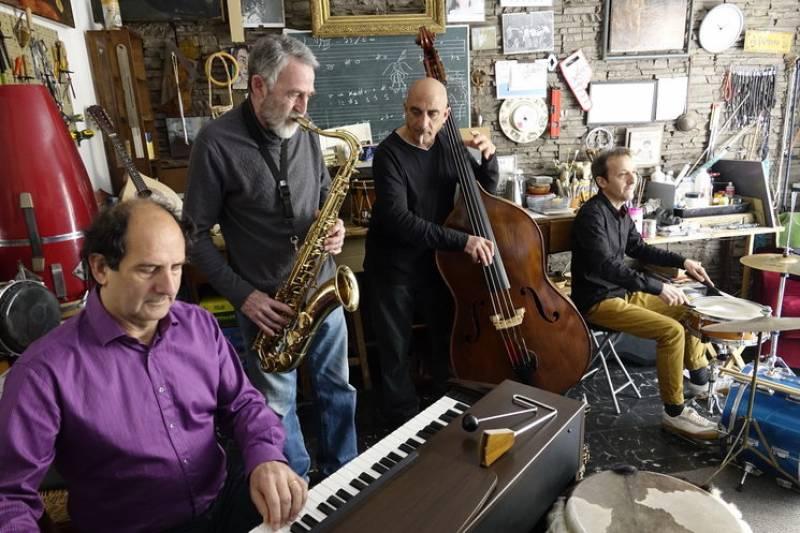 Arriba al Perellonet la fusió de música tradicional valenciana i jazz amb Ximo Caffarena Quartet