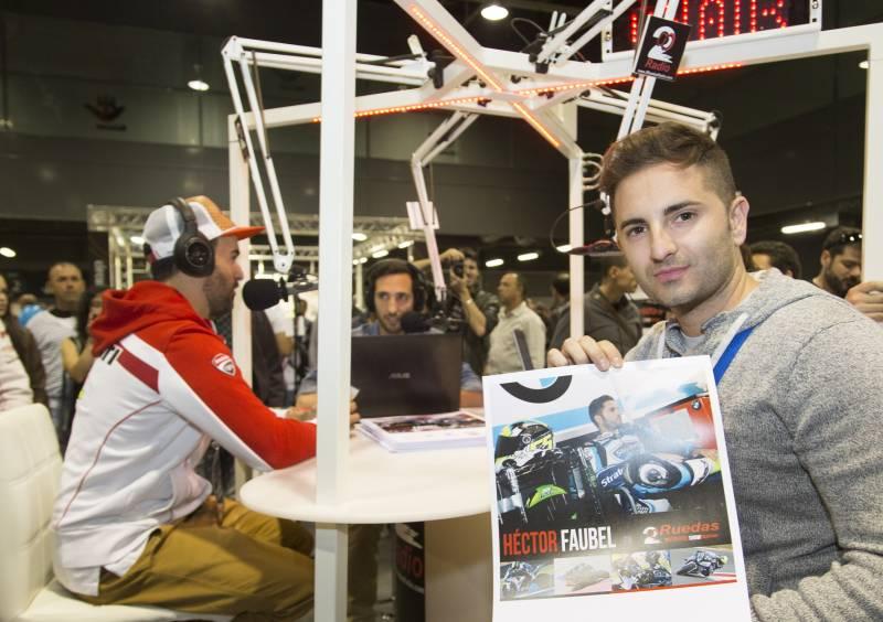 Héctor Faubel en la primera edición de 2 Ruedas (2013), apoyando desde sus inicios el evento