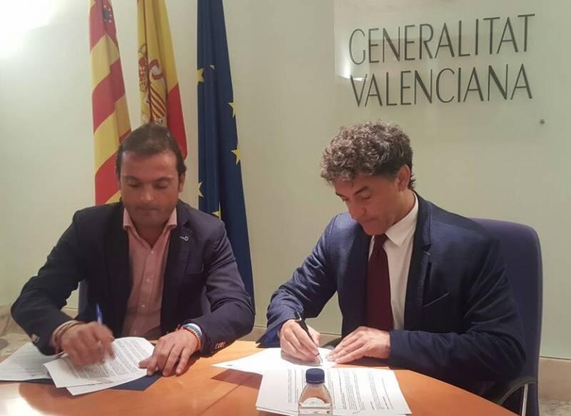 Firma convenio Peñíscola