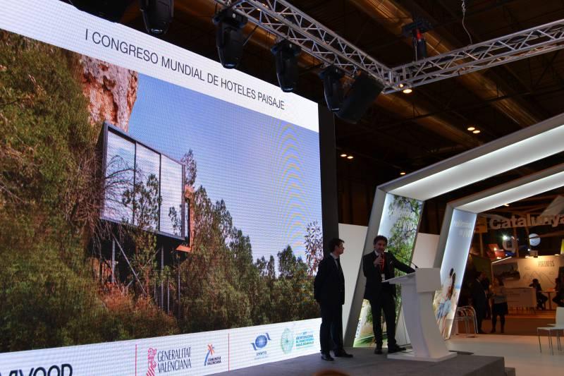 Colomer presenta en Fitur el primer Congreso Mundial de Hoteles Paisaje con el fundador de VIVOOD