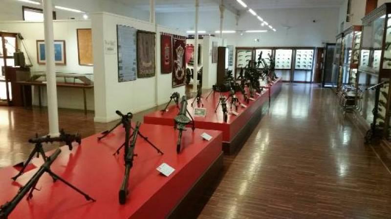 Esculturas en la UPV, Pórtico