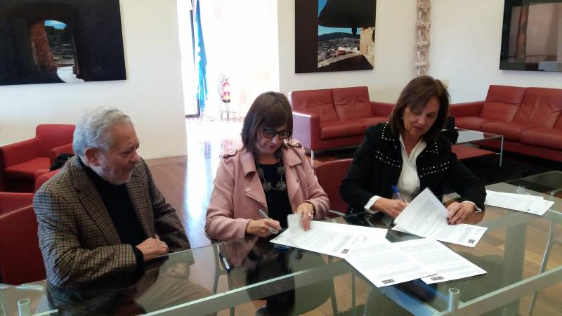 Jorge Rodríguez, el diputado Pepe Ruiz, el rector Esteban Morcillo y uno de los comisarios de la muestra, Rafael Gil