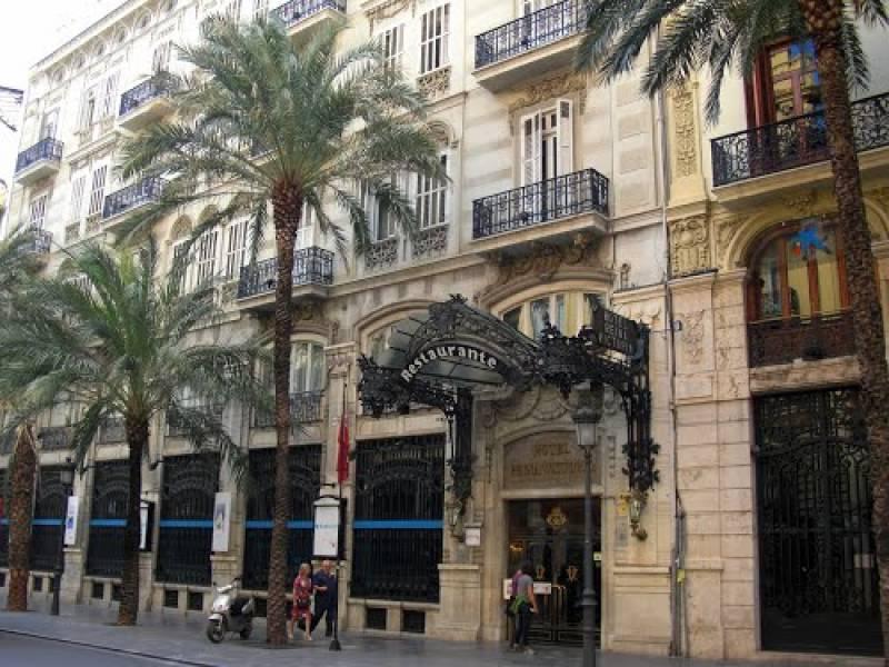 Hotel en la calle de las Barcas. // Panoramio