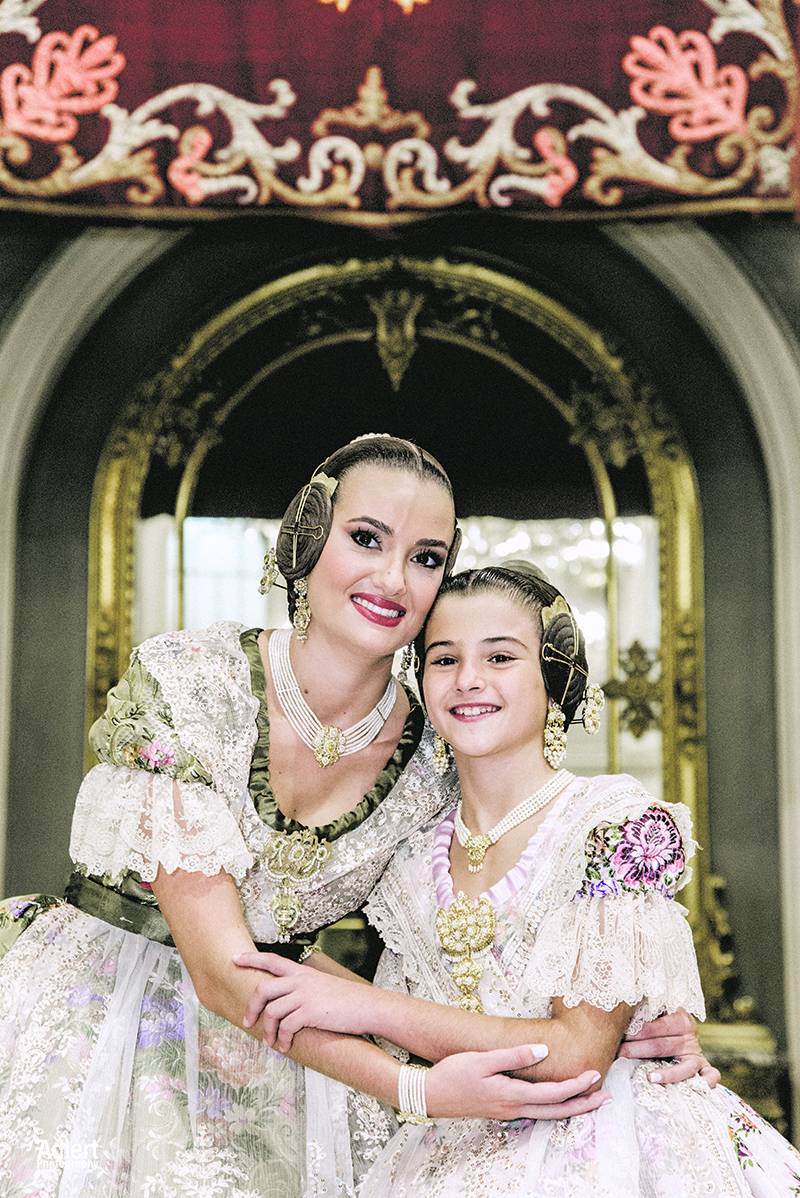 Consuelo Llobell y Carla García. ADLERT