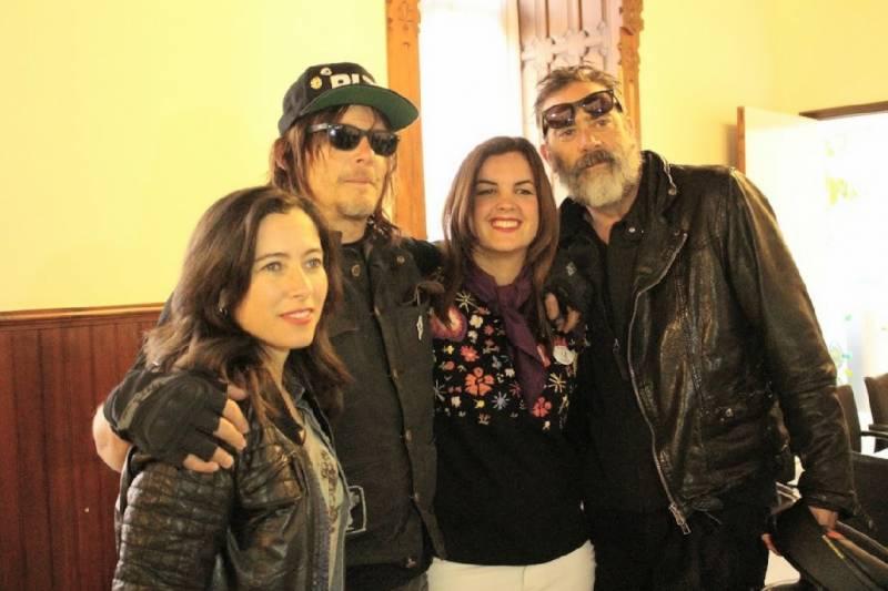 Sandra Gómez con Norman Reedus, Jeffrey Dean y Alicia Sornosa