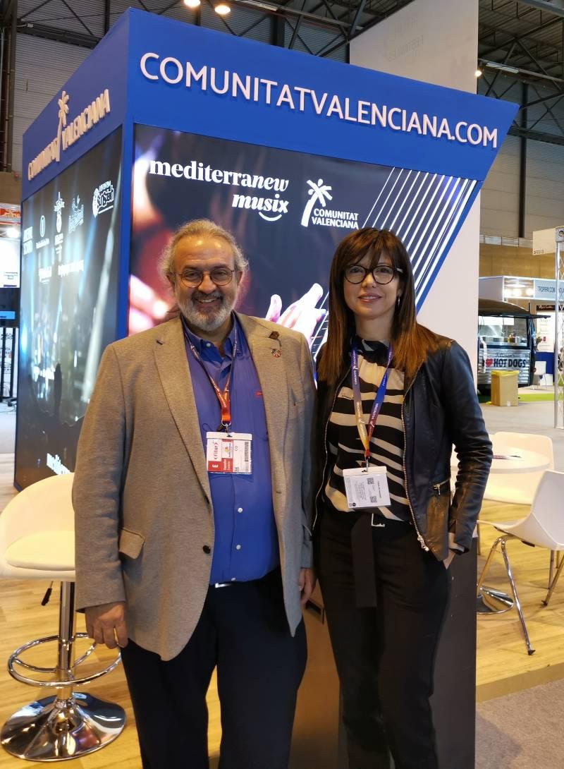Pedro Rodríguez, presidente de la FSMCV, y Amparo Máñez, vocal de la junta directiva de la FSMCV y responsable del proyecto