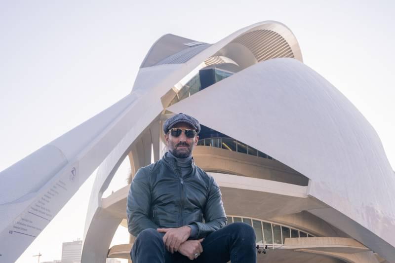 El crooner Javier Botella se sube al escenario del Palau de Les Arts junto a una big band valenciana