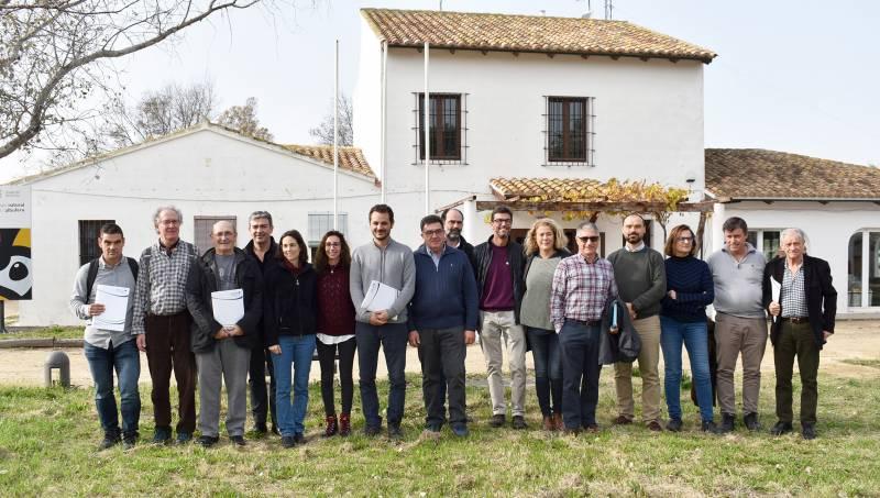 Los participantes en el acto celebrado en el Parque Natural